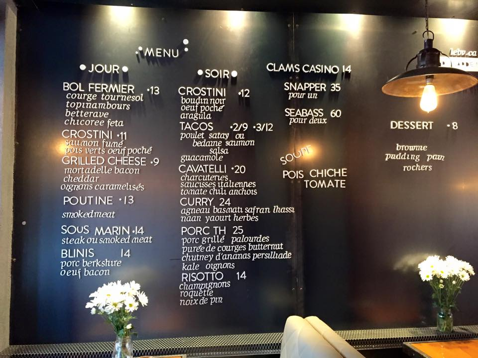 Tableau aimanté avec menu du jour